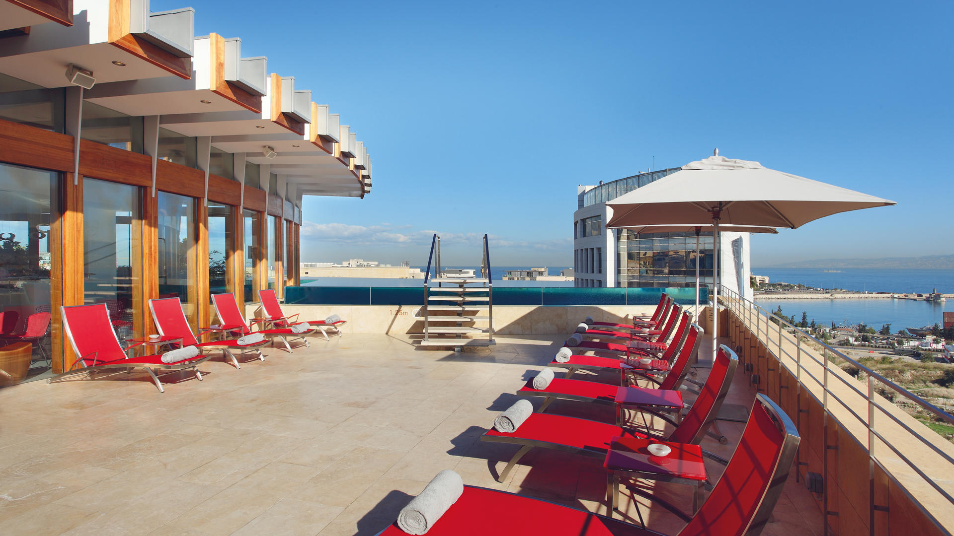 Le_Gray_Hotel_Beirut_The_Pool_Deck