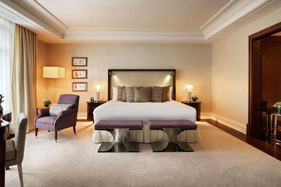 Capella_Dusseldorf_Executive_Suite_Bedroom