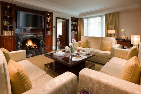 Capella_Dusseldorf_Grand_Suite_Living_Room