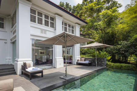 Capella_Singapur_Colonial_Manor_Poolside
