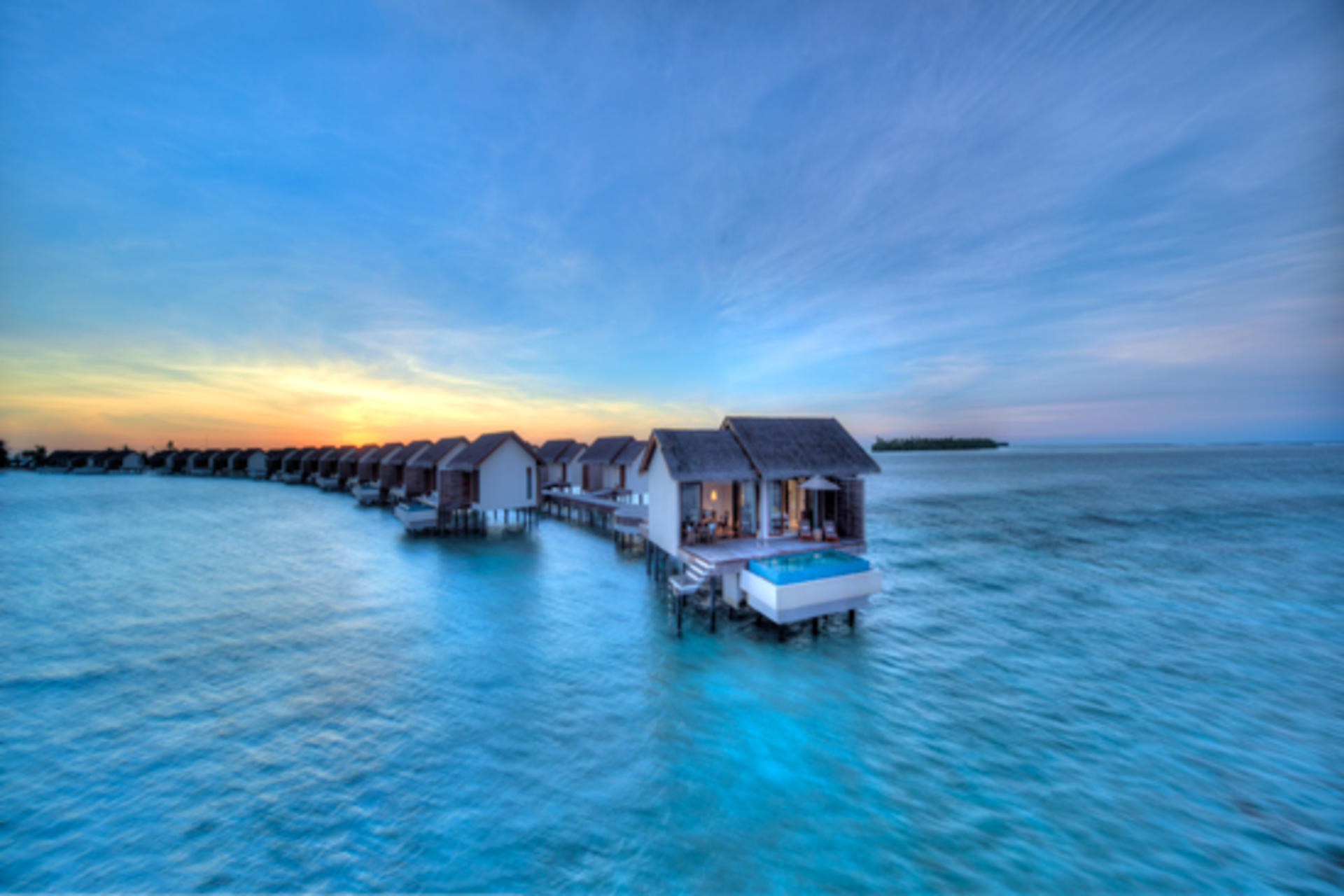 Cenizaro_ResidencesMaldives_One-Bedroom-Deluxe-Water-Pool-Villa-By-Dusk