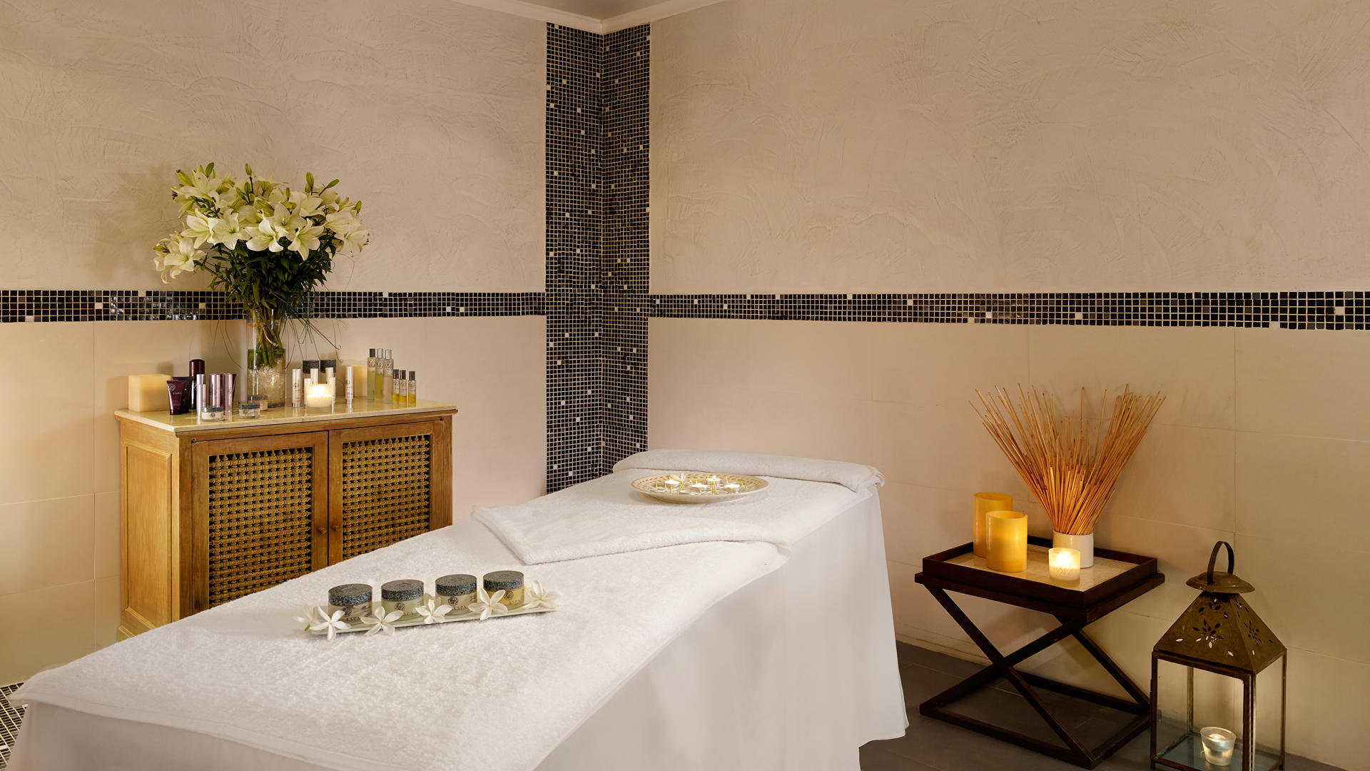 Cenizaro_ResidencesTunis_Spa-Treatment-Room