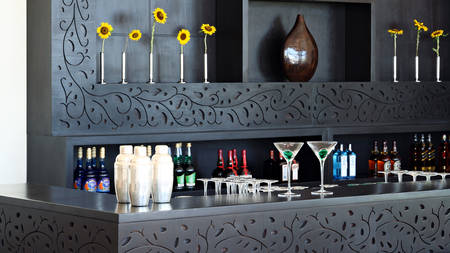 Cenizaro_ResidencesTunis_The-Club-House-Bar