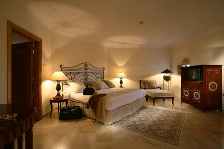 Cenizaro_TheResidenceTunis-Pool-View-Suite-Bedroom-2
