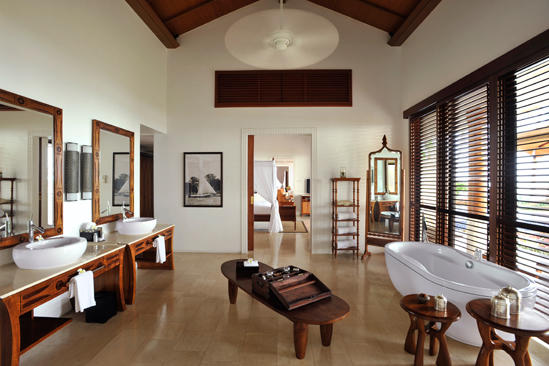 Cenizaro_TheResidenceZanzibar-Presidential-Pool-Villa-Main-Bathroom
