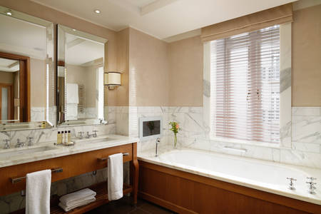 Corinthia-London-Hotel-Bad