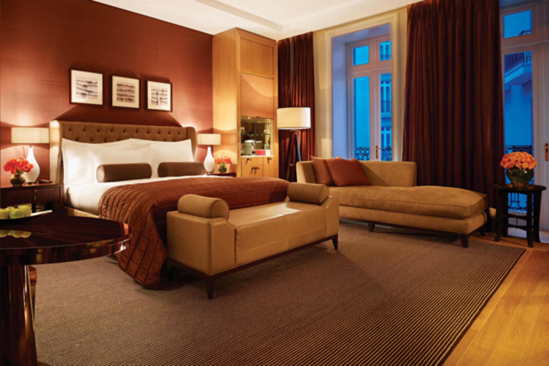Corinthia_London_Deluxe_Junior_Suite