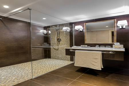 R13 Grand suite Bathroom