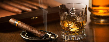 CO-London_Whisky-Flight-And-Cigar