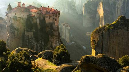 Explore the beauty of Meteora through a half day tour