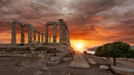 A sunset to remember in Cape Sounio