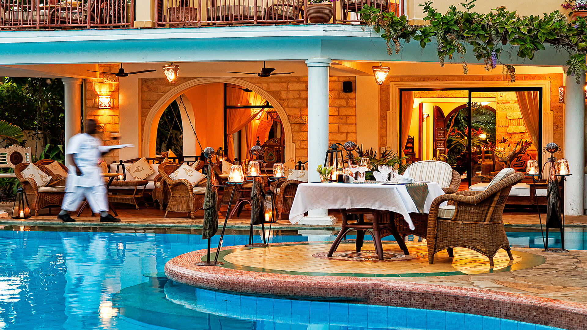 AfroChic_Diani_Beach---Poolside-dinner-1