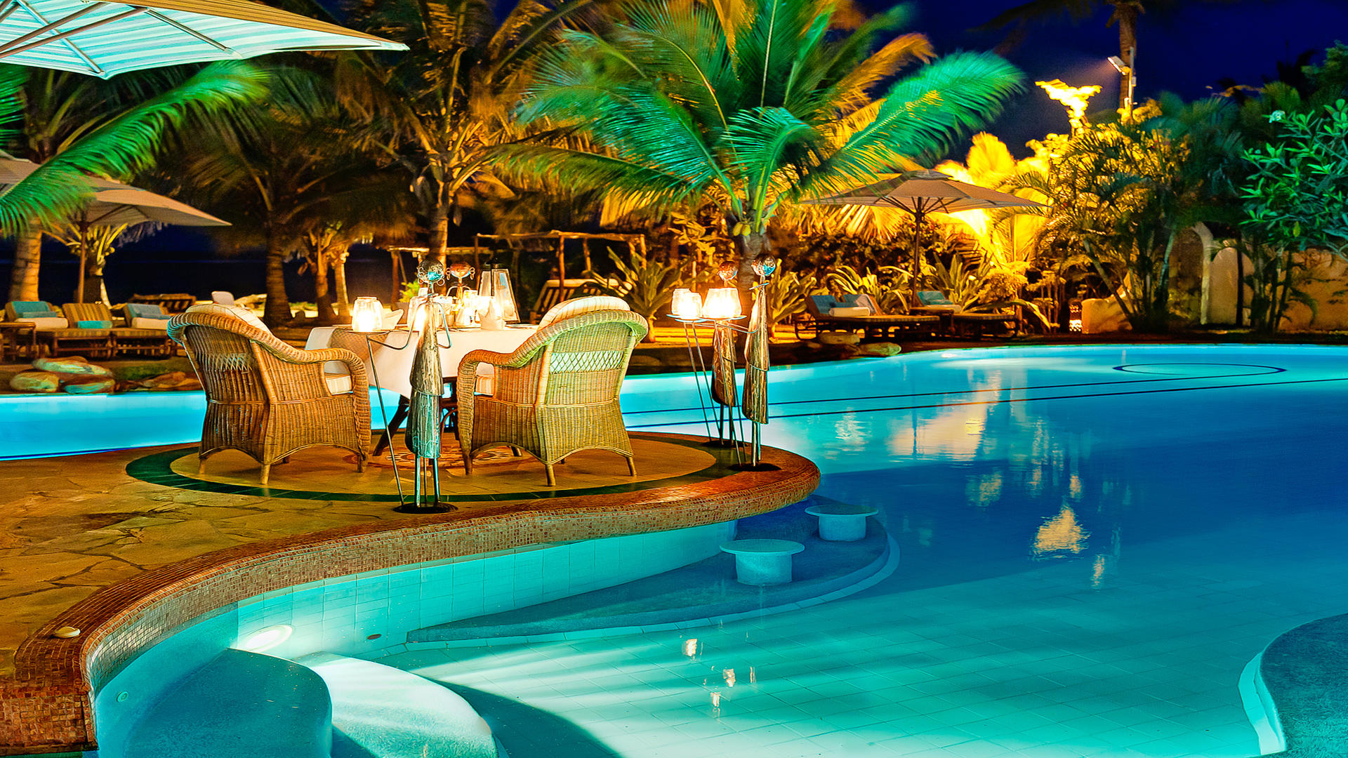 AfroChic_Diani_Beach---Abendessen-am-Pool-2