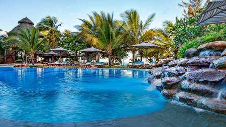 AfroChic_Diani_Beach---Swimmingpool