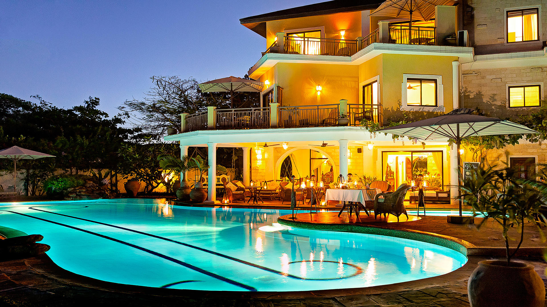 AfroChic_Diani_Beach---The-main-house