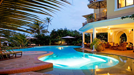 AfroChic_Diani_Beach---The-Pool