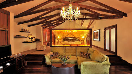 Arusha-Coffee-Lodge---Plantation-Suite-Interior