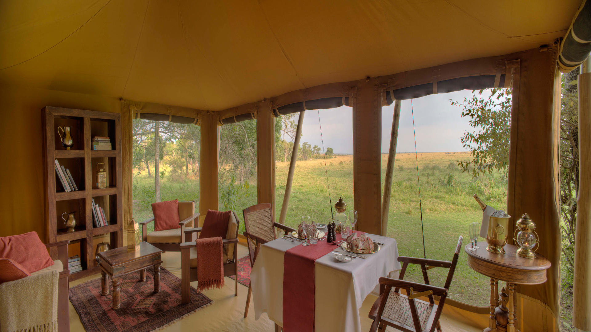 Elephant-Pepper-Camp---Library-&-Private-Dining-Tent-(2)