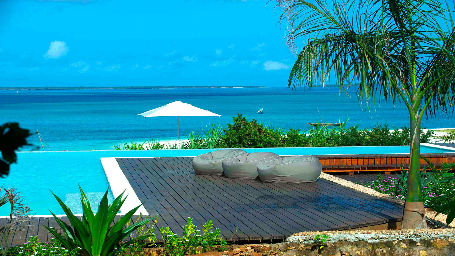 Kilindi-Zanzibar---Infinity-pool-and-Gardens