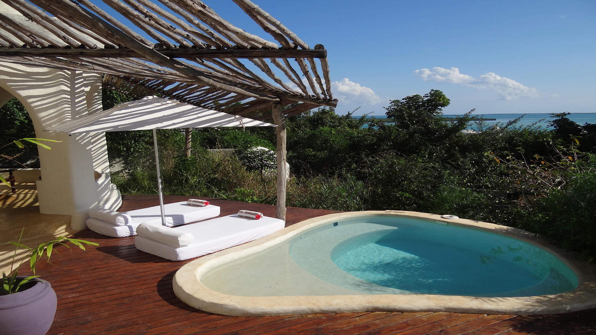 Kilindi-Zanzibar---Room---Private-Terrace-with-plunge-pool-