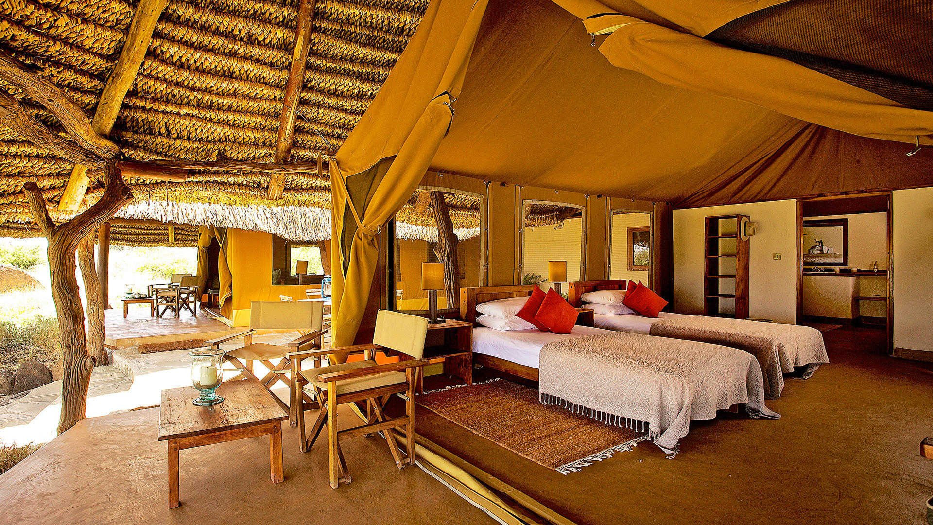 Lewa-Safari-Camp---Familienzelt---Interieur