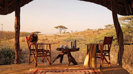 Lewa-safari-safari-β-营地---Moring-tea-on-veranda
