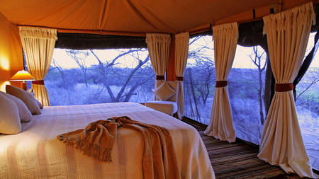 Lewa-Safari-Camp---Zeltinterieur-1