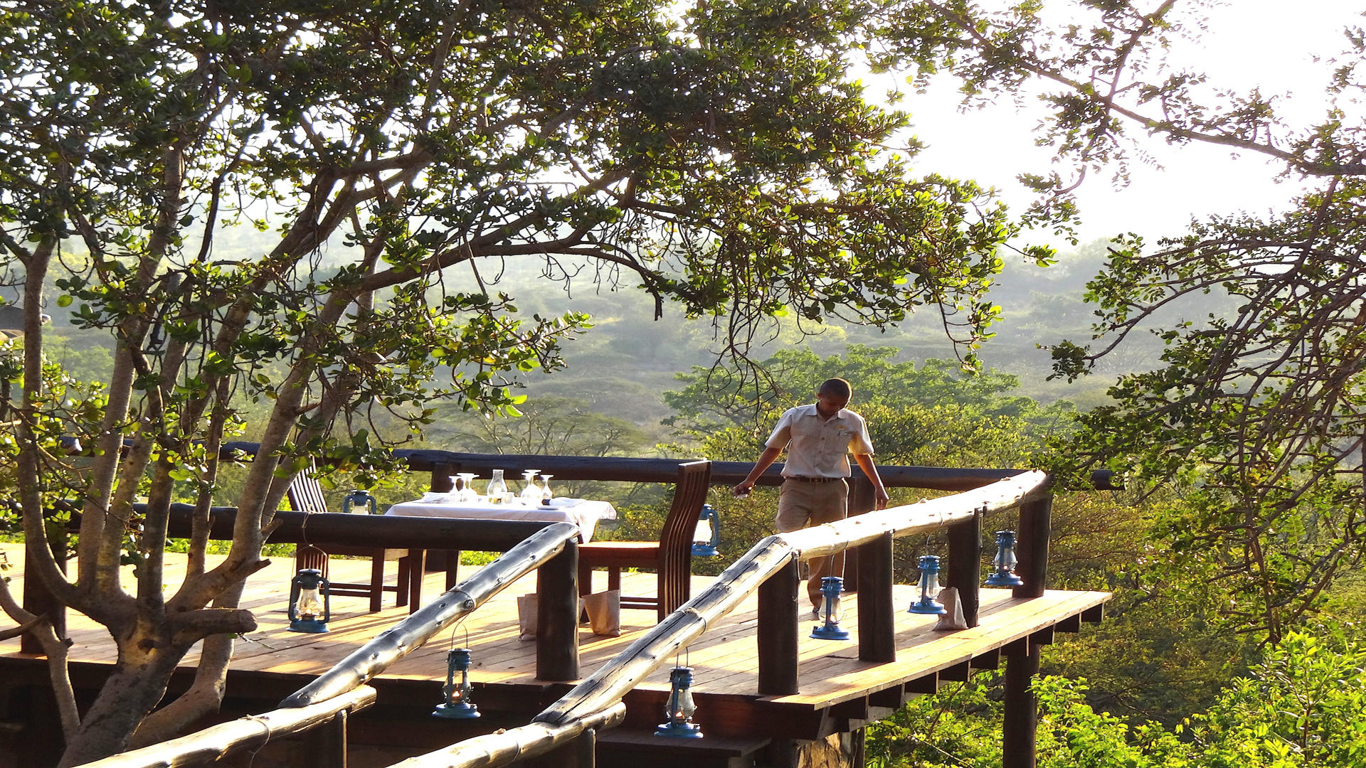 Serengeti-Migration-Camp---Dining---Luncheon-on-a-terrace