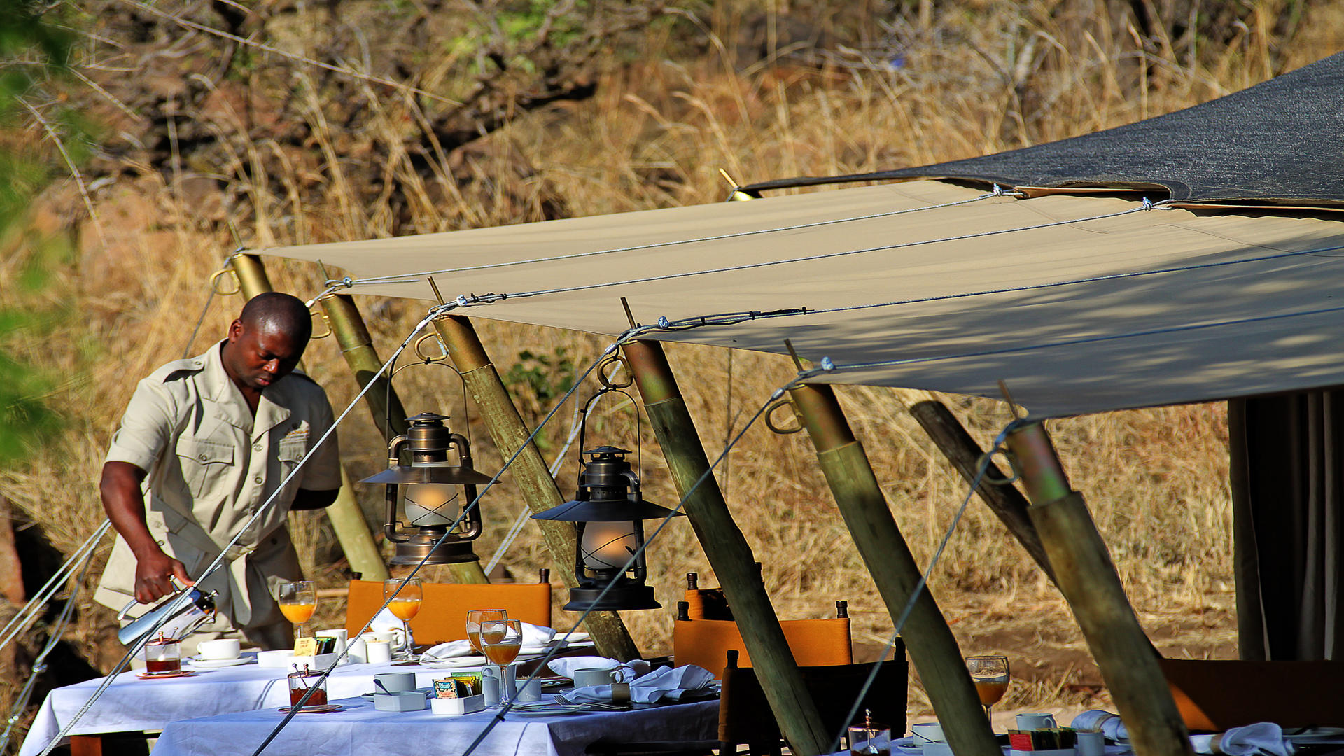 Serengeti-Pioneer-Camp---Breakfast-Tent-2