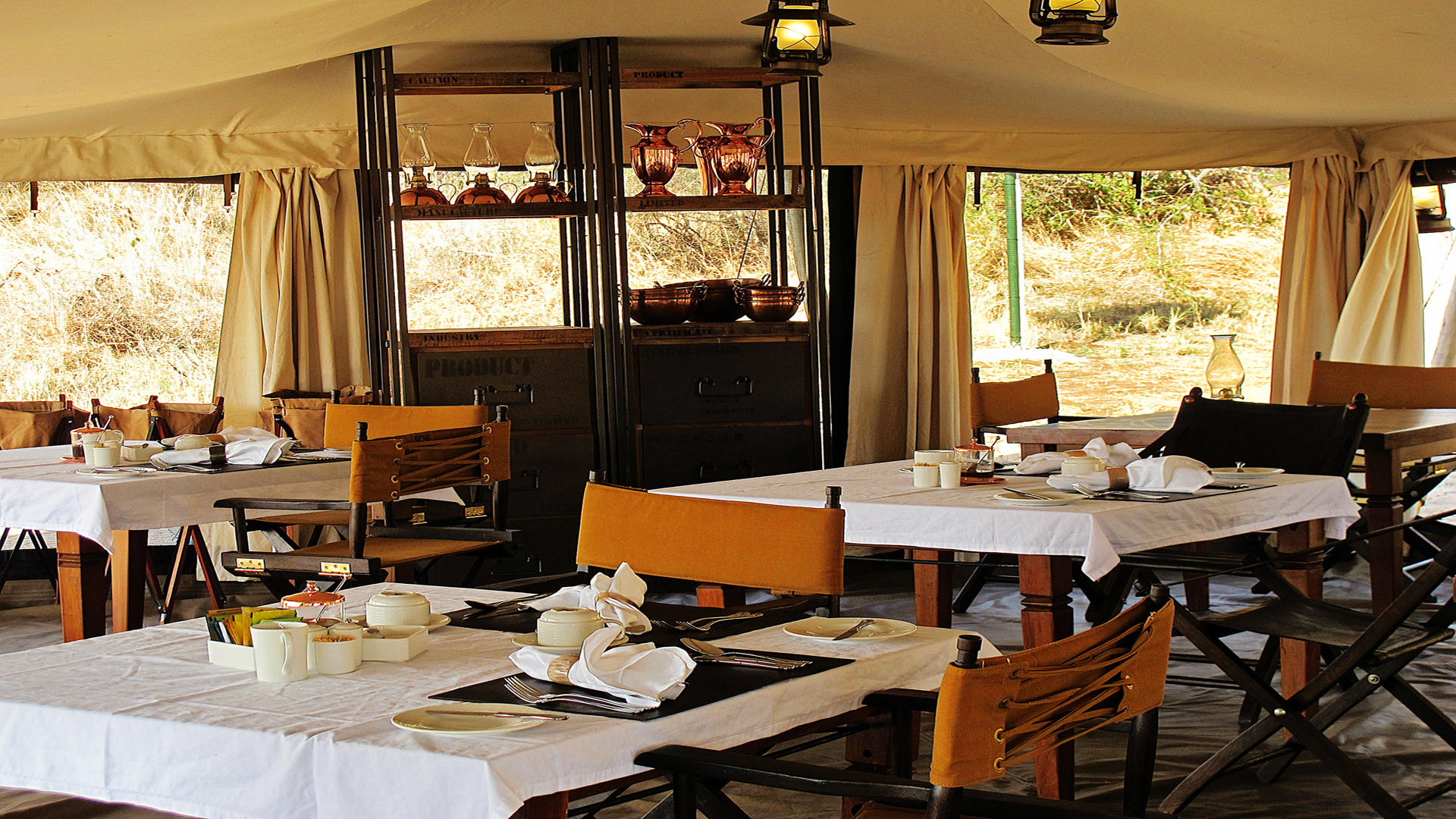 Serengeti-Pioneer-Camp---Breakfast-Tent-Interior