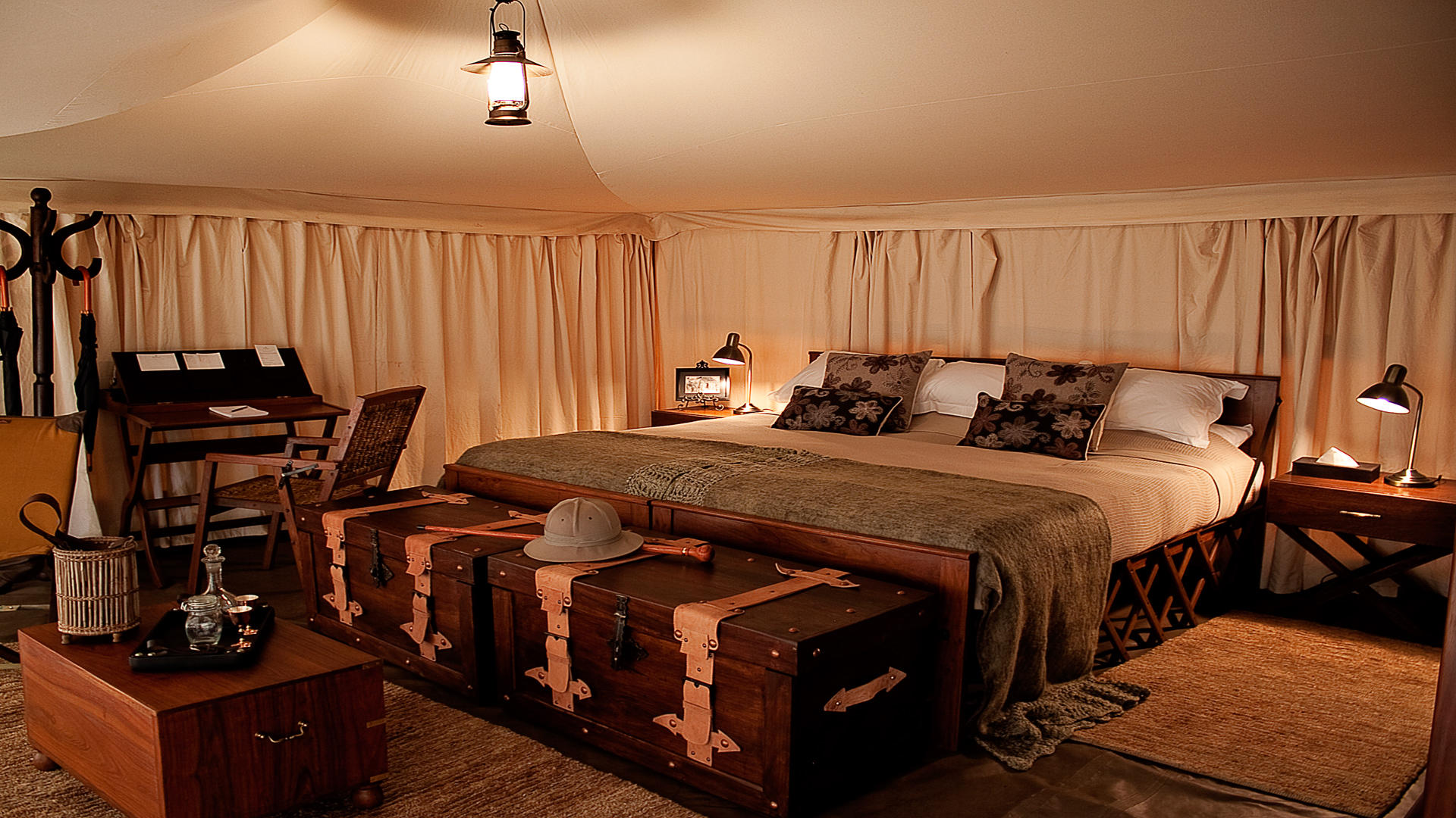 Serengeti-Pioneer-Camp---Tent-interior