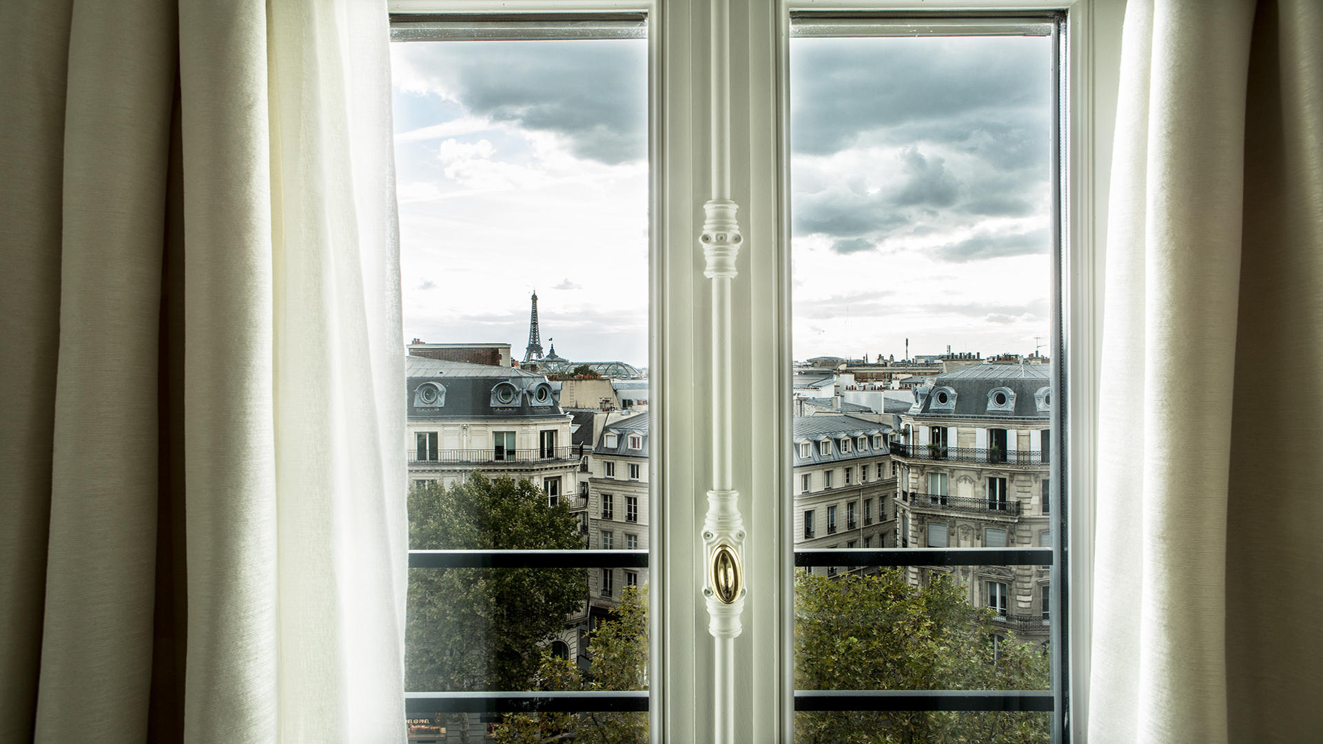 Fauchon_Hotel_Paris_Balcony_View_3