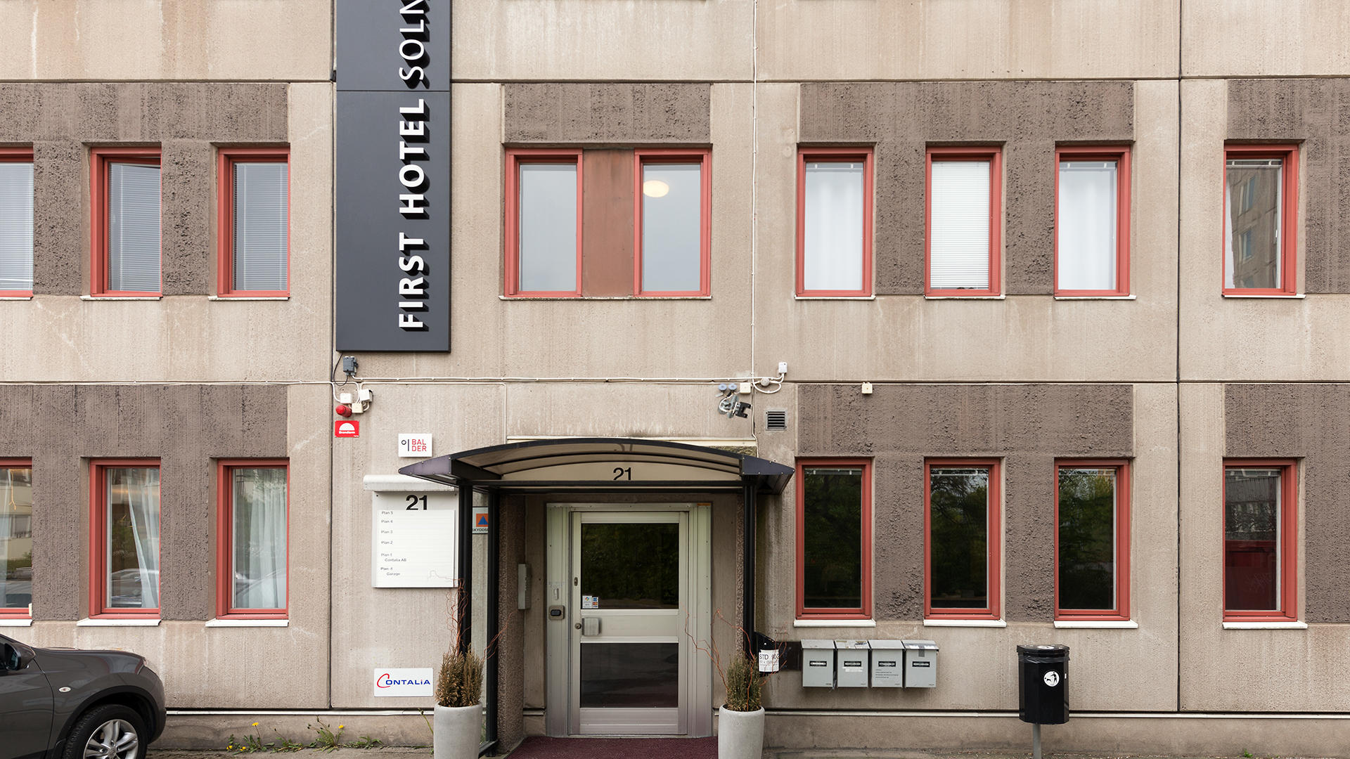 FirstSolna_Exterior02
