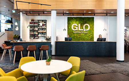GLO_Hotel_front_desk_001
