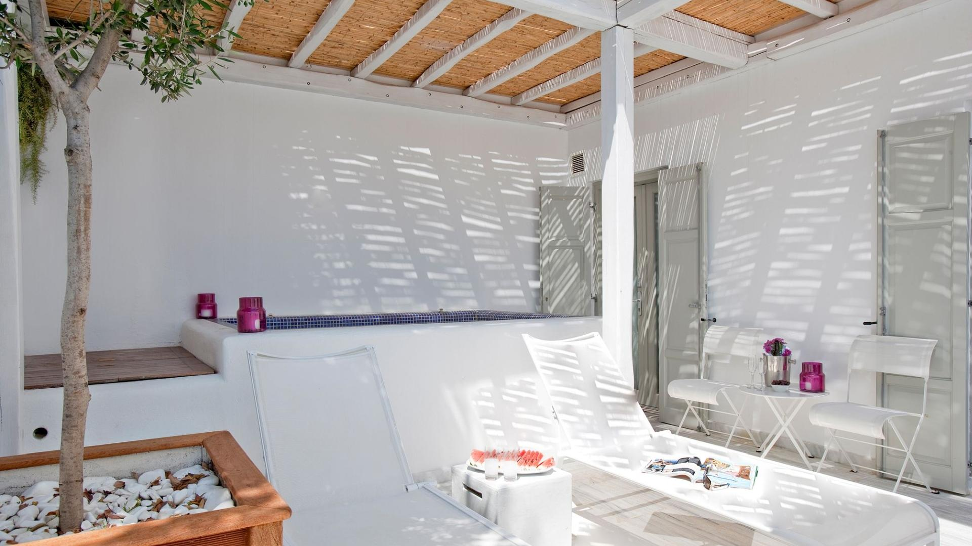Grace_Mykonos_Family-Suite-With-Plunge_Pool