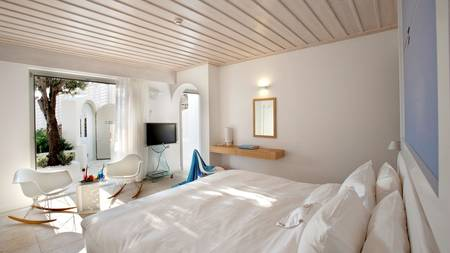Grace_Mykonos_Honeymoon_Suite