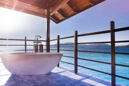 JA verzaubert Island Resort_French Badewanne in der Inhaber Signature Villa1