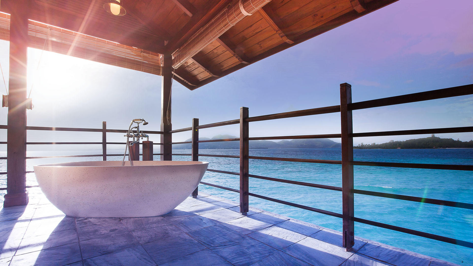 JA 心醉岛 Resort_French_bathtub_in_the_Owners_Signature_Villa1_Gallery