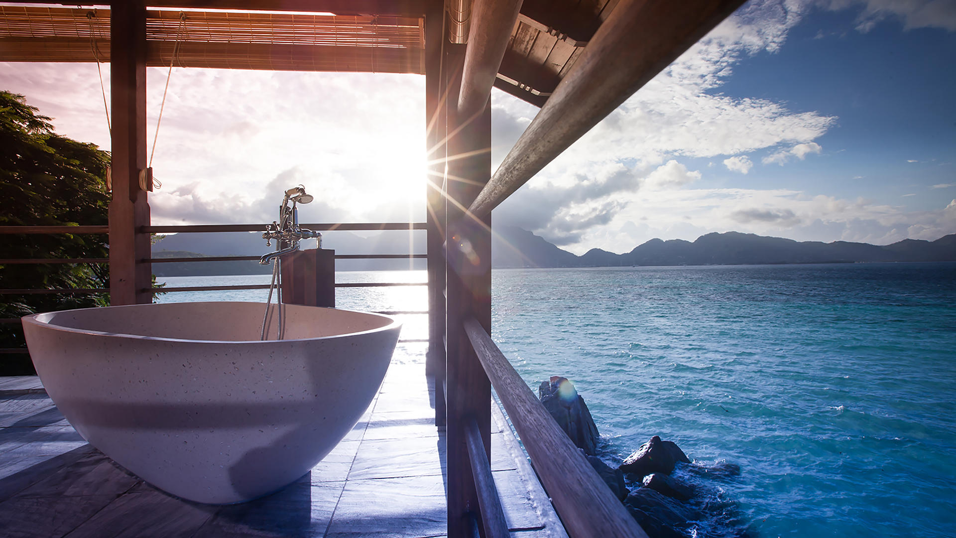 JA 心醉岛 Resort_French_bathtub_in_the_Owners_Signature_Villa2_Gallery