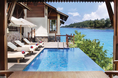 JA verzaubert Island Resort_Owner der Signature-Pool-Deck 1