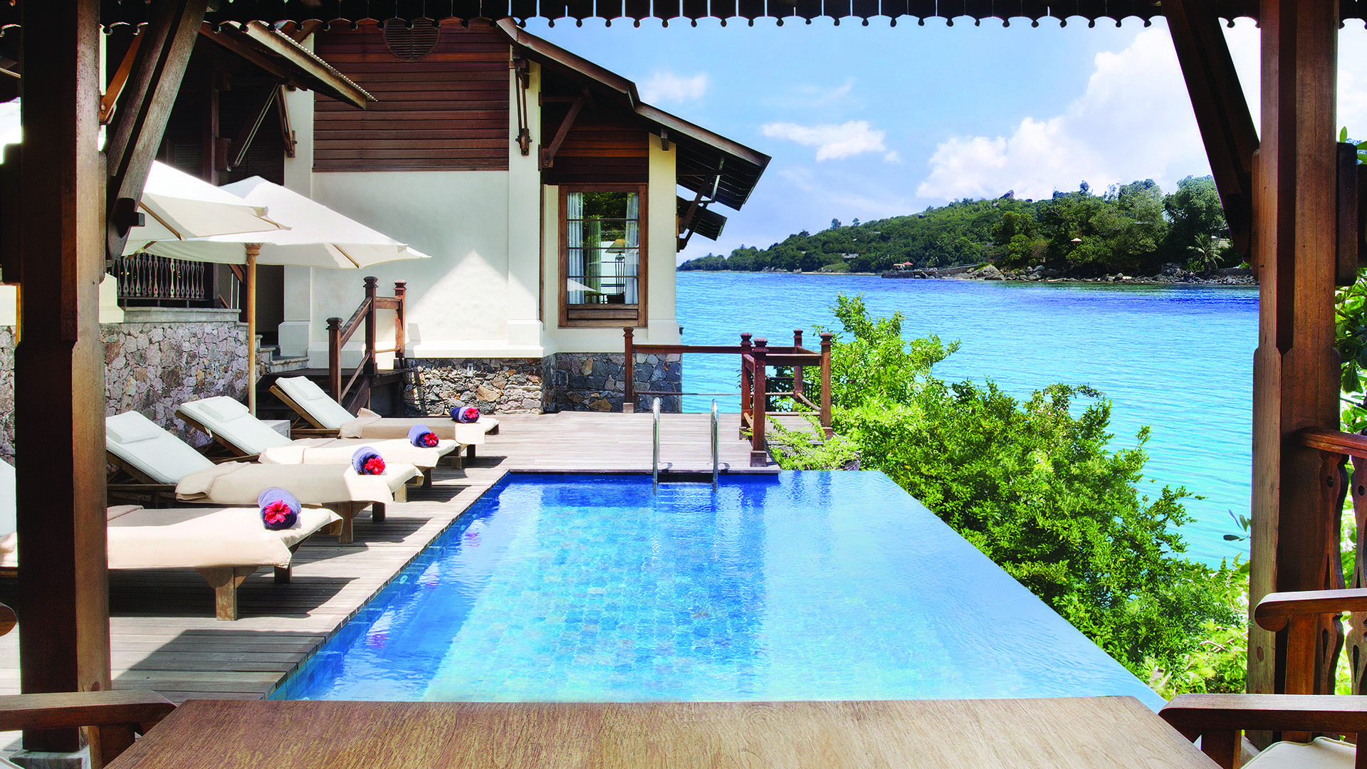 JA verzaubert der Insel Resort_Owner Signature Pool-Deck 1_Gallery