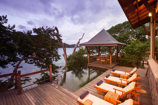 JA verzaubert Island Resort_Owner der Signature-Pool-Deck 2