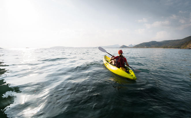 Kayaking across the Hatta Dam