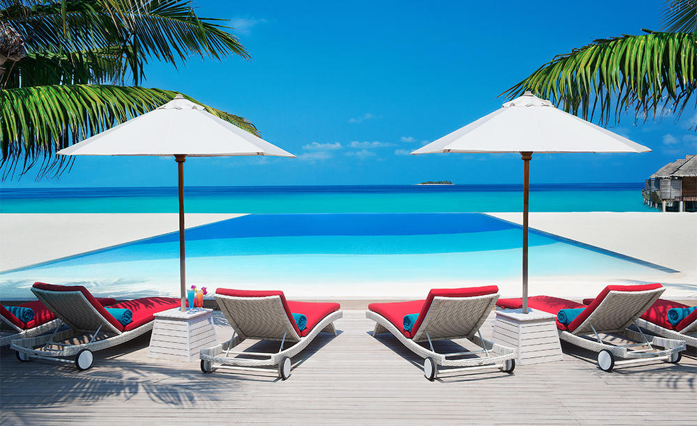 JA_Manafaru_Infinity_ Bar_&_Pool_1