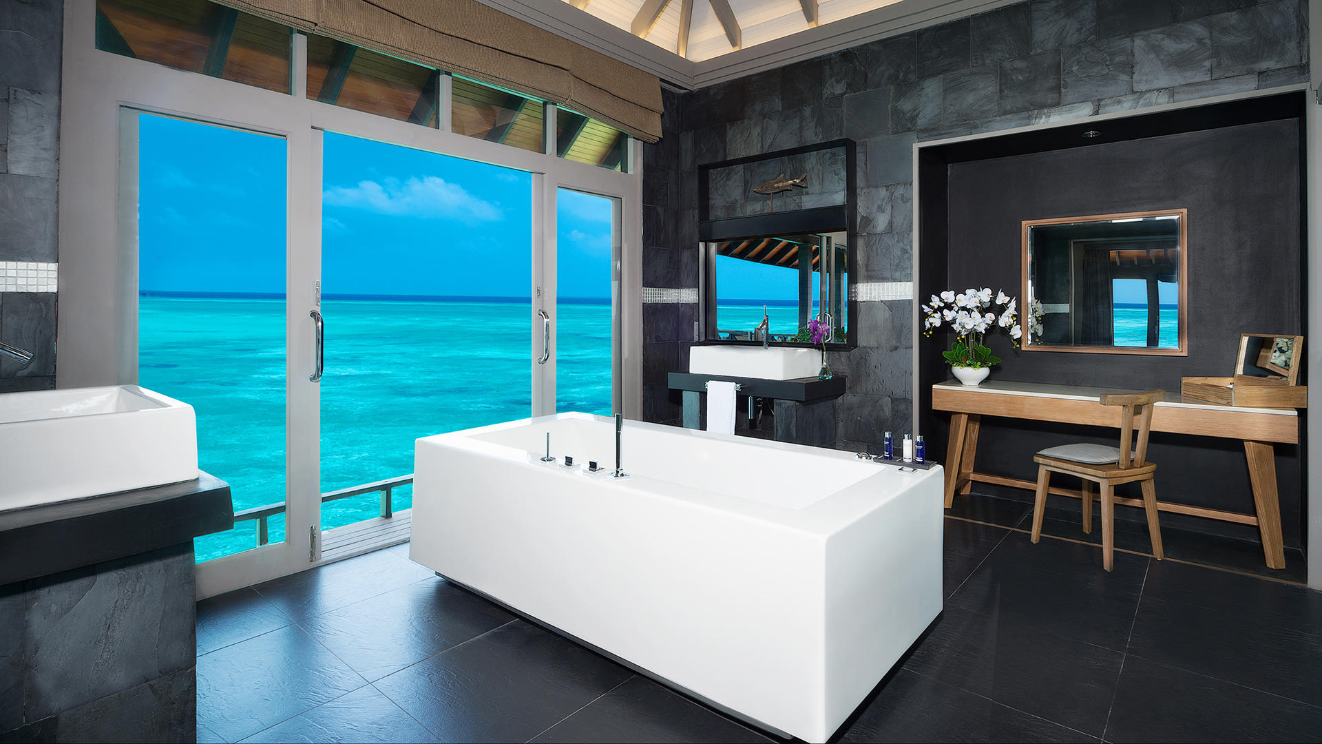 JA Manafaru_Grand Water 2BR Suites with Private Infinity Pool Bath 1