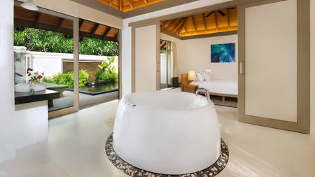 JA Manafaru_One Bedroom Beach Suite with Private Pool Bath