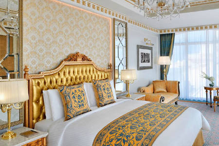 Emerald_Palace_Kempinski_Dubai_Emerald-Bubbly-One-Bedroom-Suite