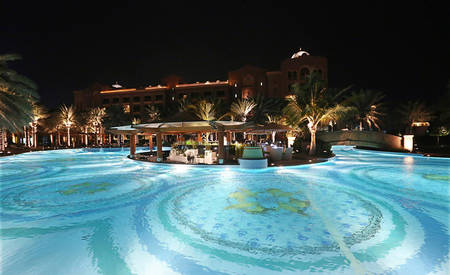 2_KI_Emirates-Palace _ Breeze-Lounge