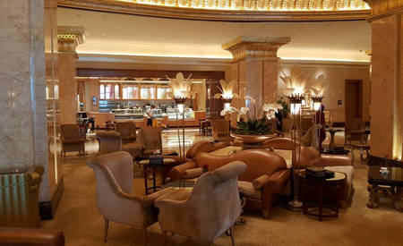 2_KI_Emirates-Palace _ Caviar-Bar