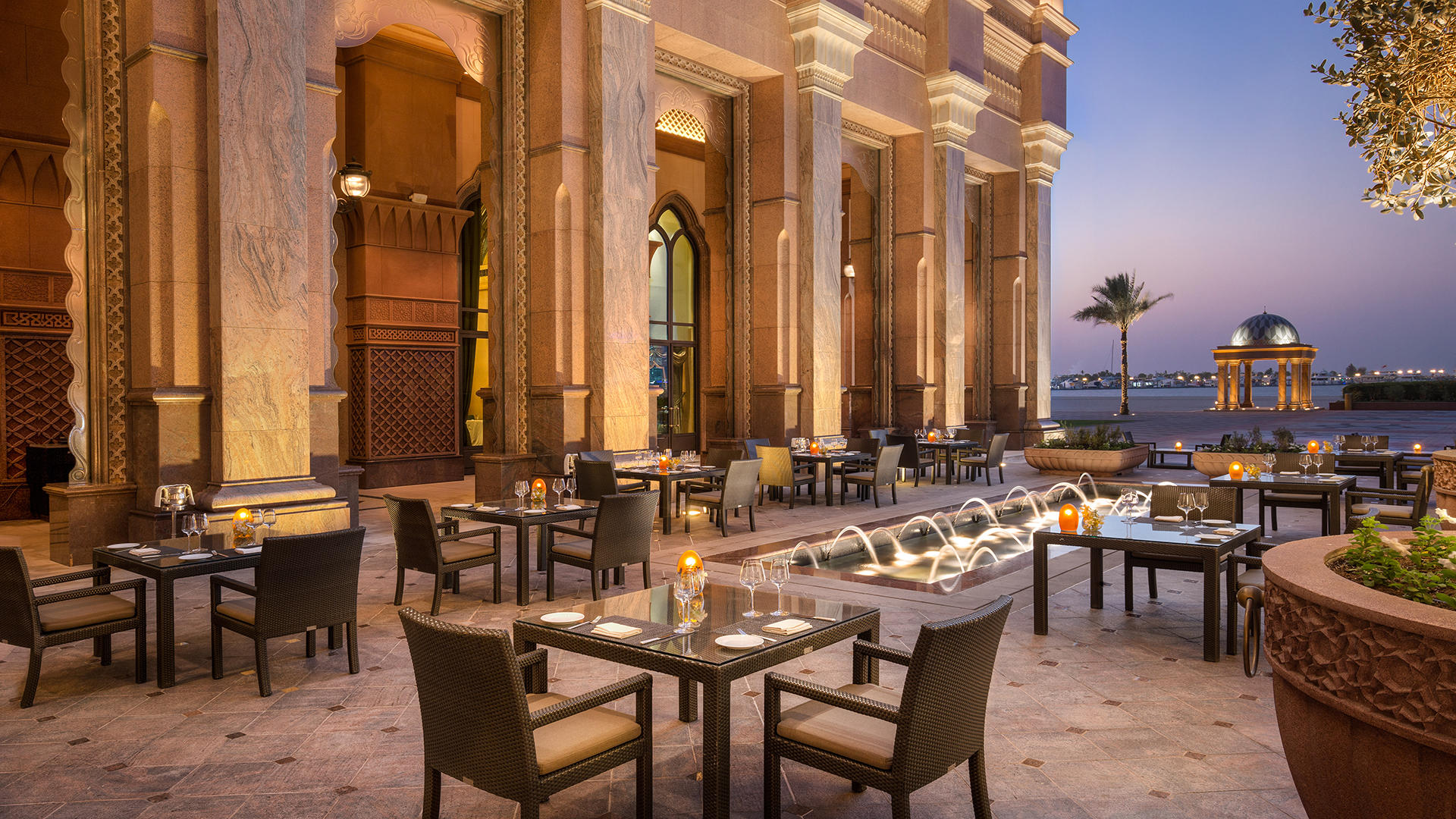 EmiratesPalace_Restaurant01